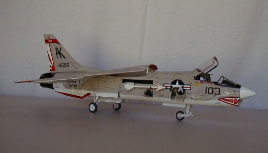 Trumpeter 1/32 F-8 Crusader | Large Scale Planes
